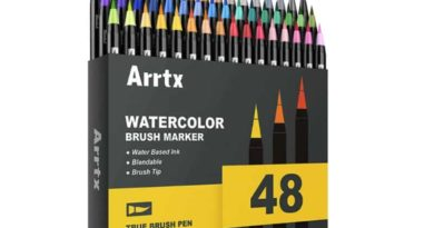 A set of colored brushes Arrtx